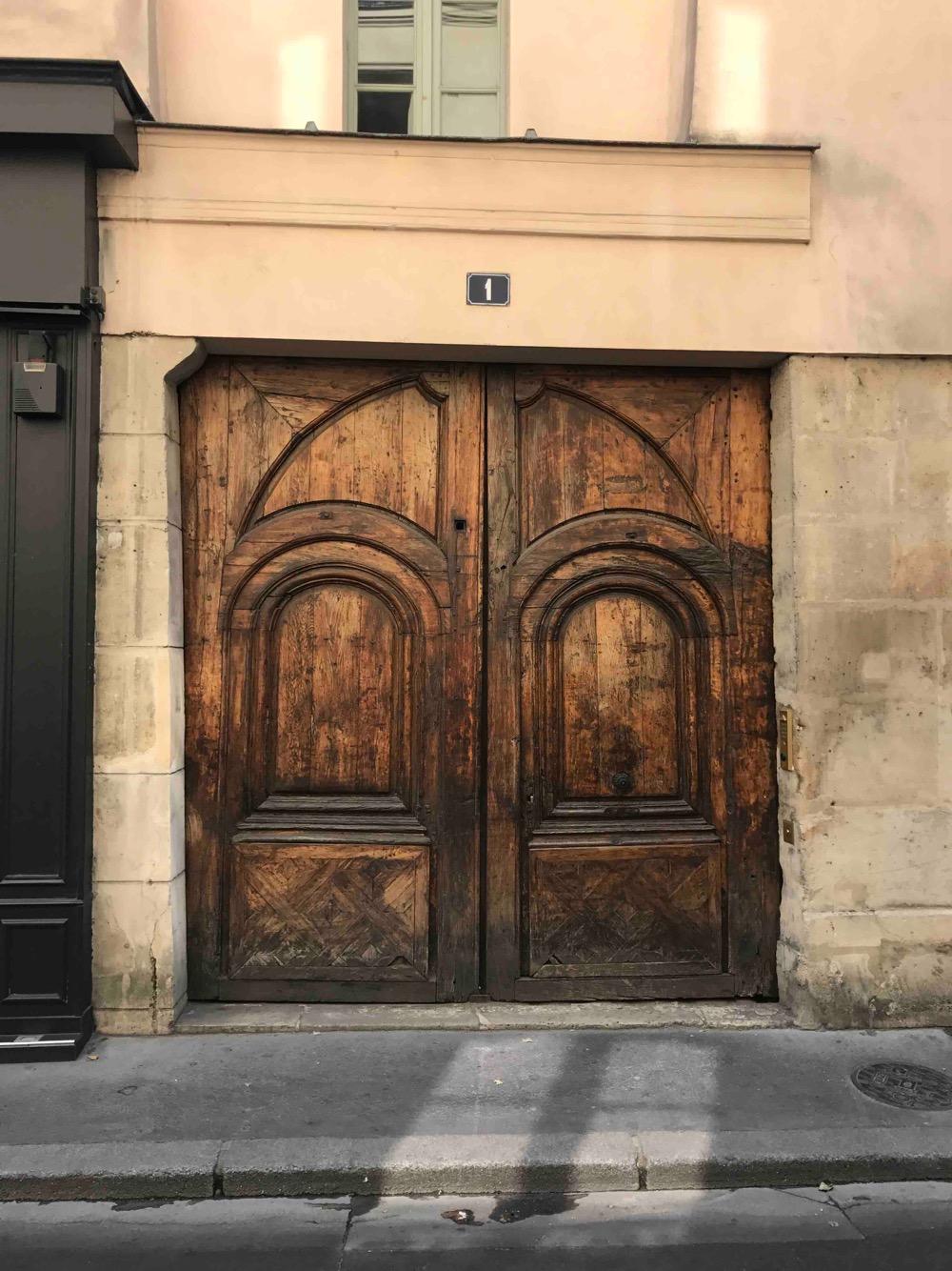 1 RUE MAITRE ALBERT PARIS 5