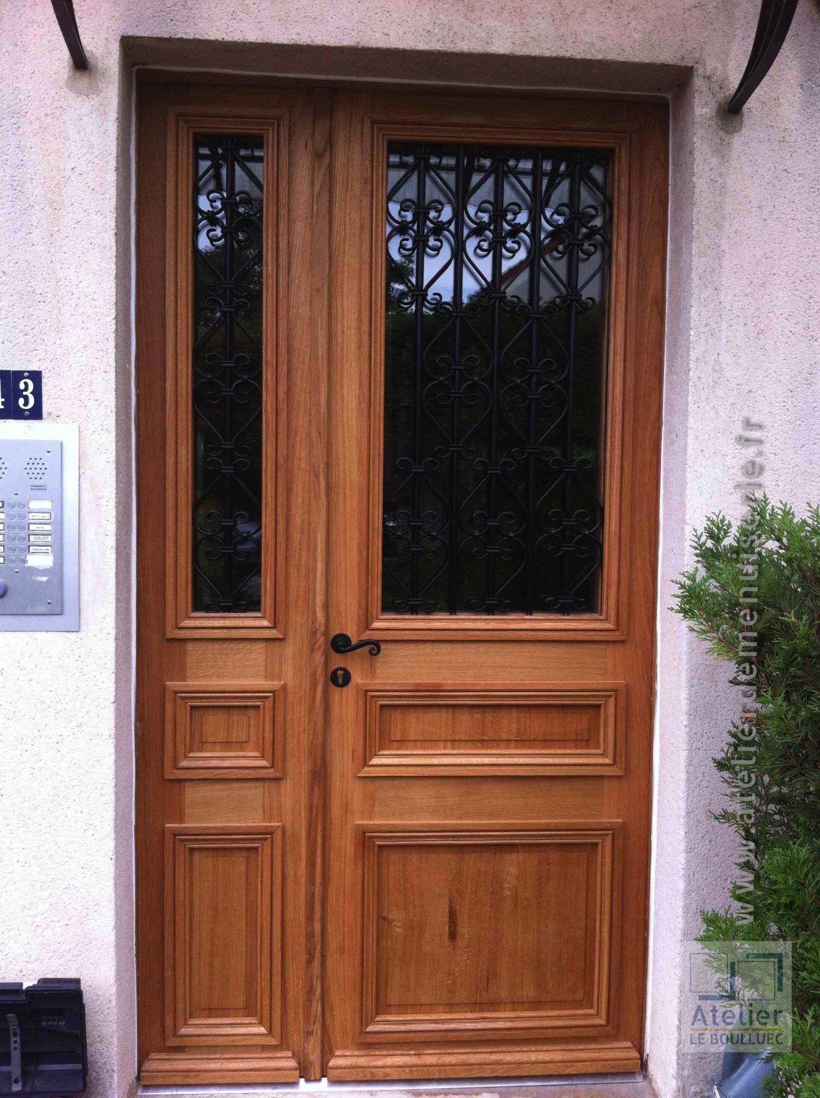 2013 02 Porte Sur Rue Corbeilller 3 Tiercée Chêne Avec Grilles