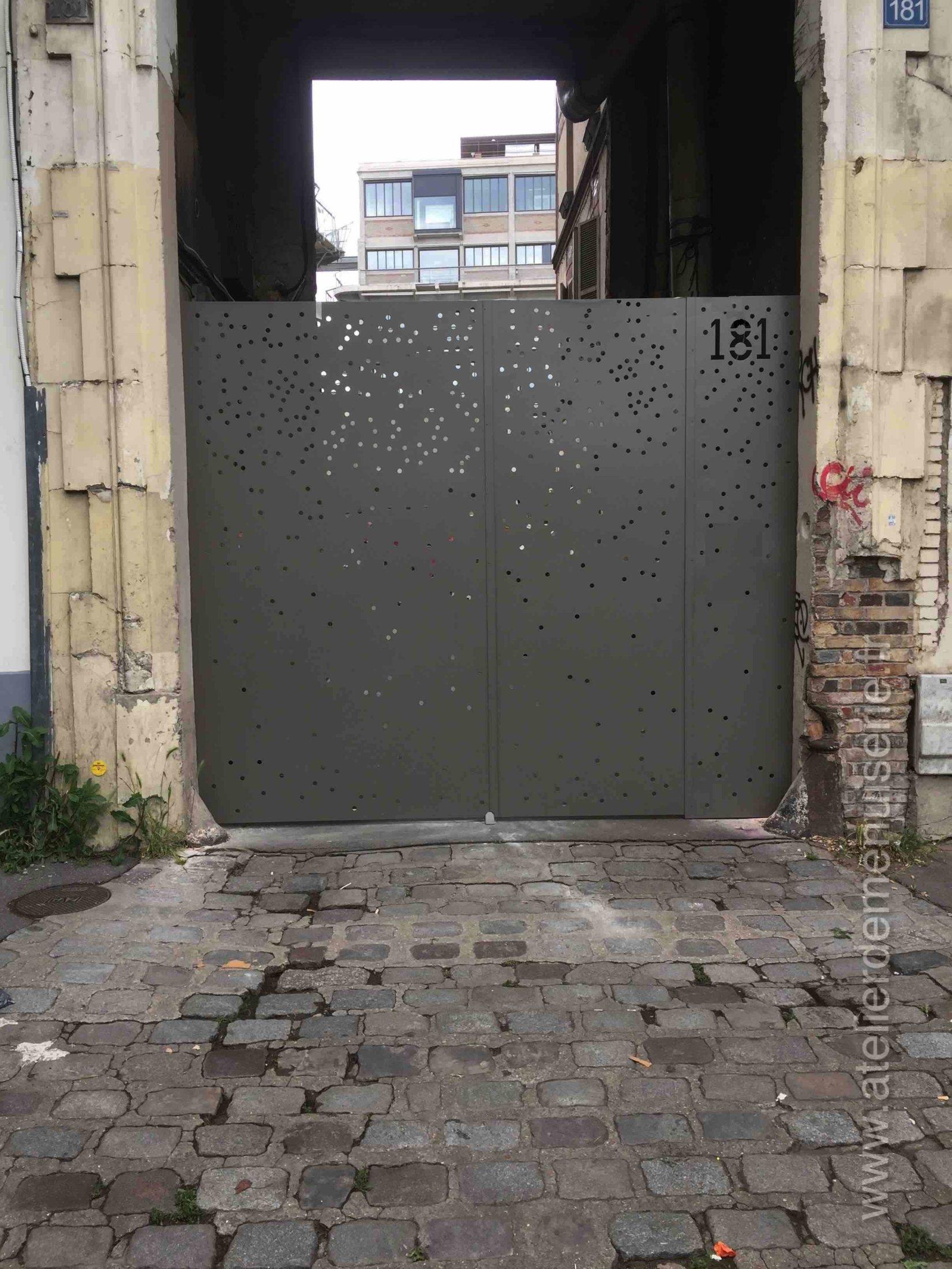 2019 04 - Portail Acier 181 JEAN LOLIVE - Vue Ext