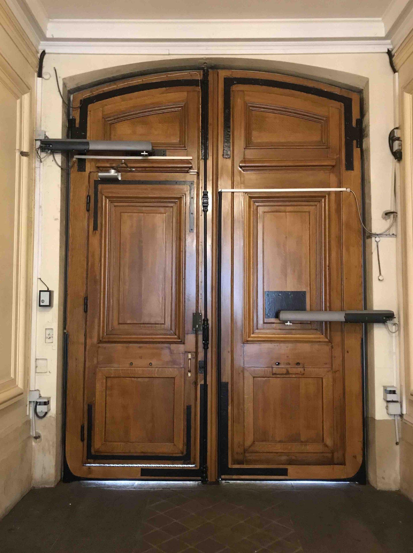 44 RUE DU LOUVRE Coté Hall PARIS 1
