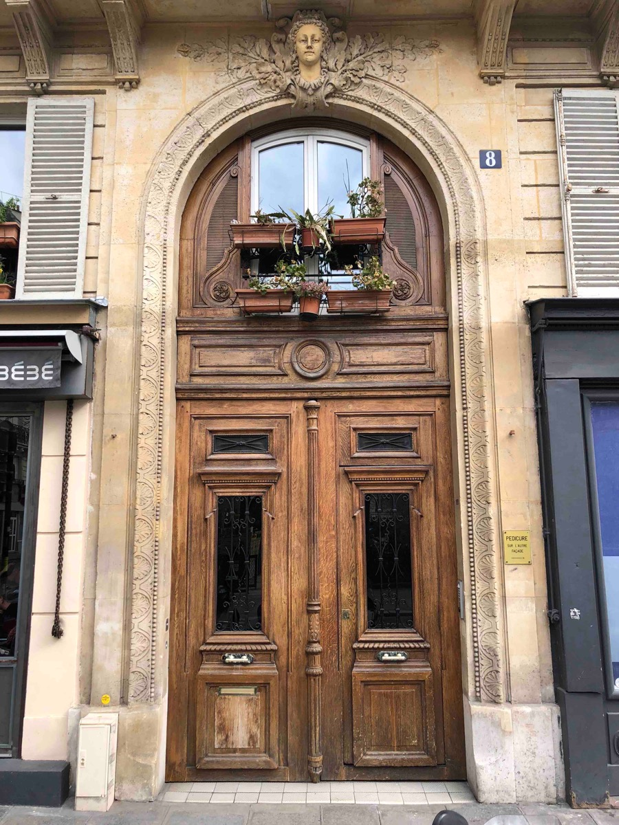 8 RUE PIERRE SEMARD PARIS 9