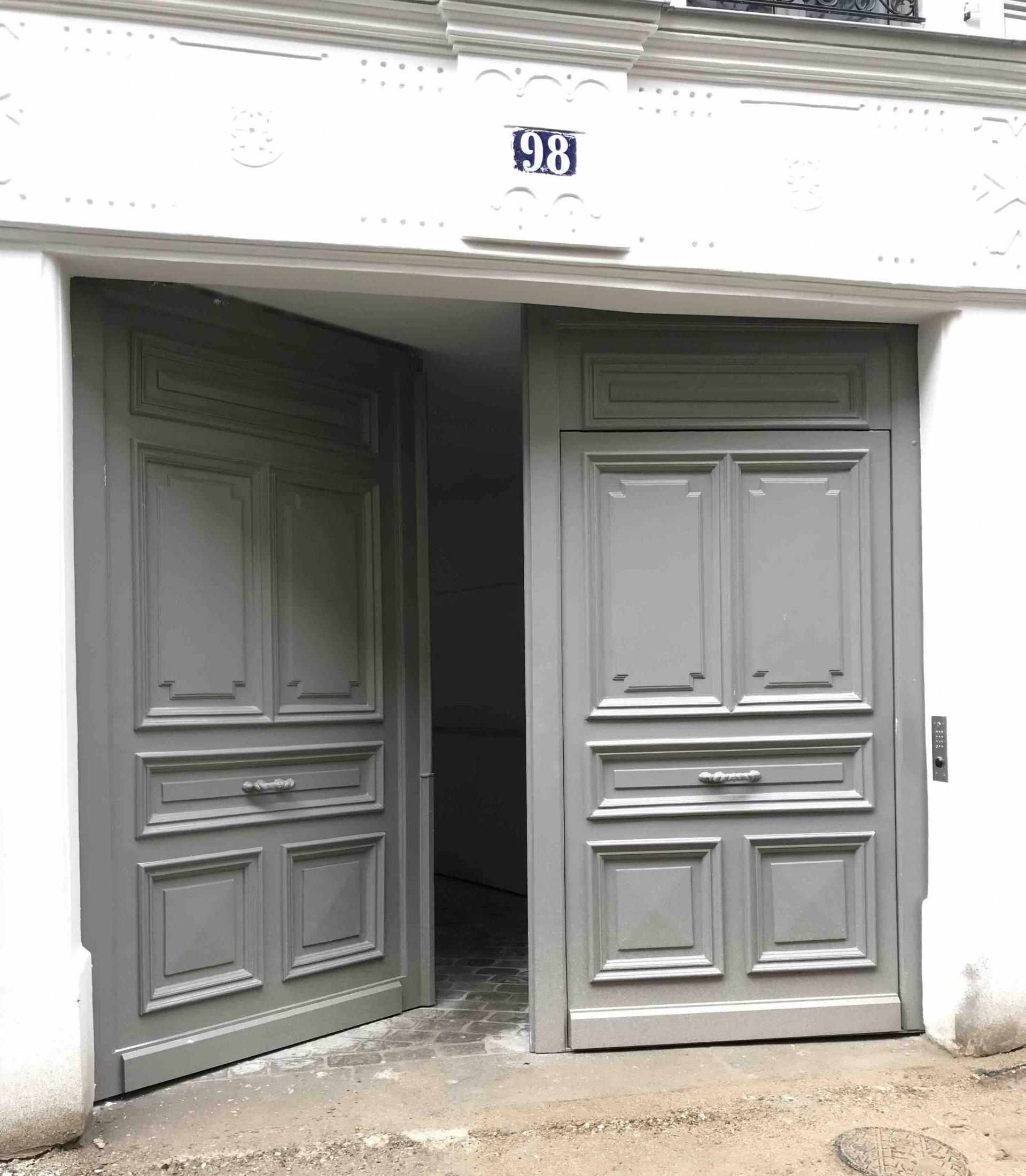 98 RUE DES DAMES - Porte Cochère Coté Ext