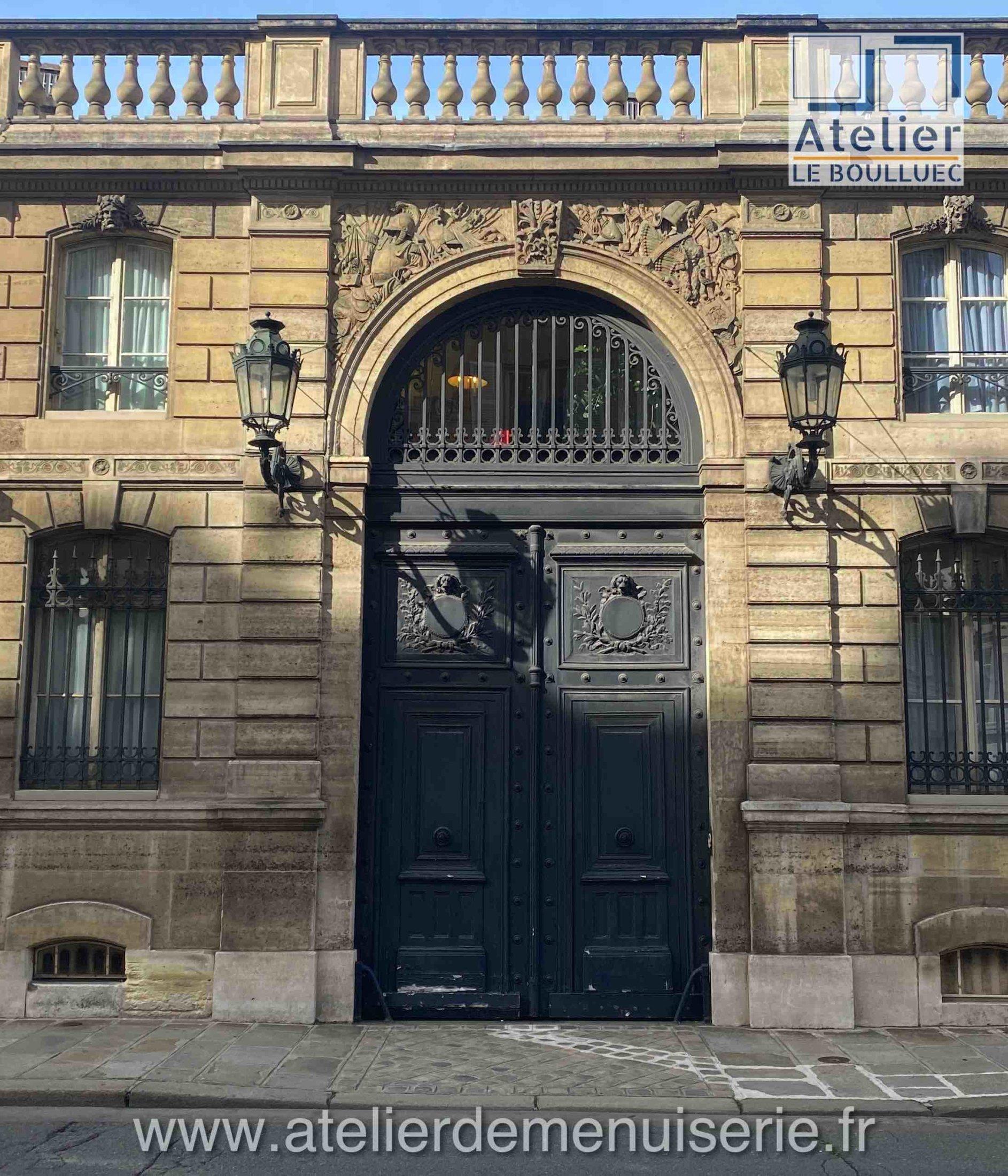 PORTE COCHERE DE DROITE 55 RUE DU FBG ST HONORE (PALAIS DE L\'ELYSEE) PARIS 8