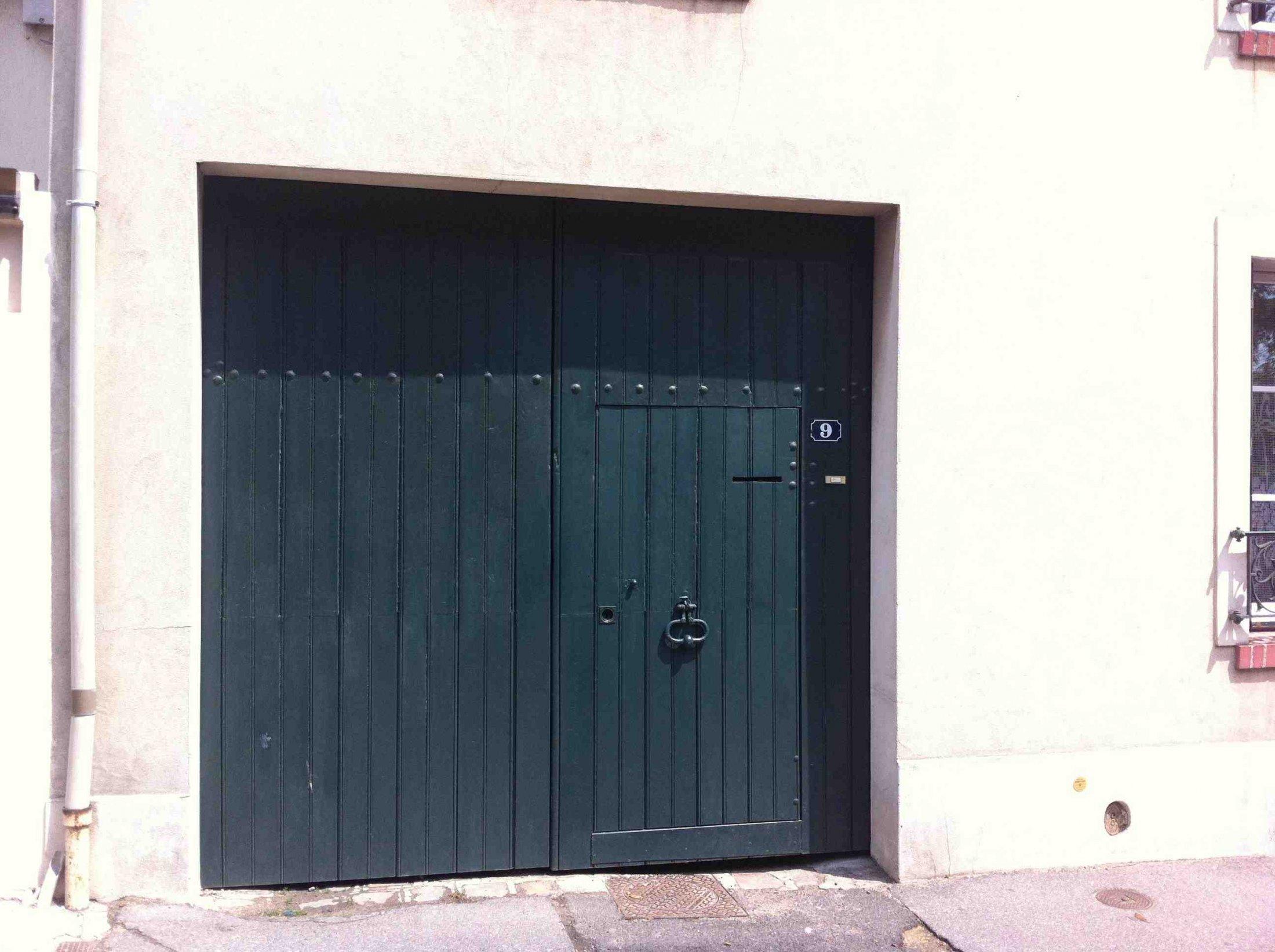 Porte-cochere-Bruit-reposee-1