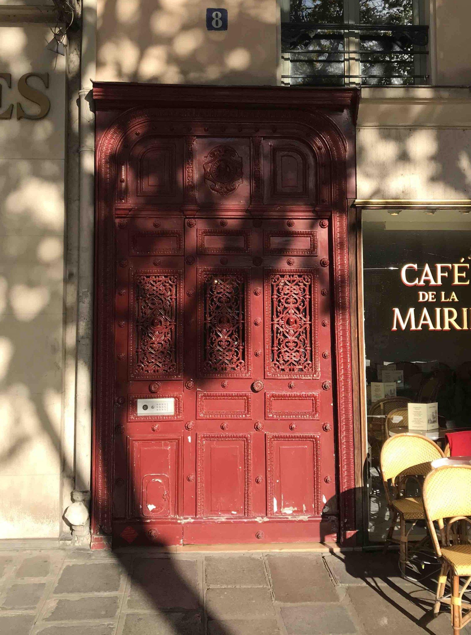 Porte Batarde - 8 Place Saint Sulpice PARIS 6