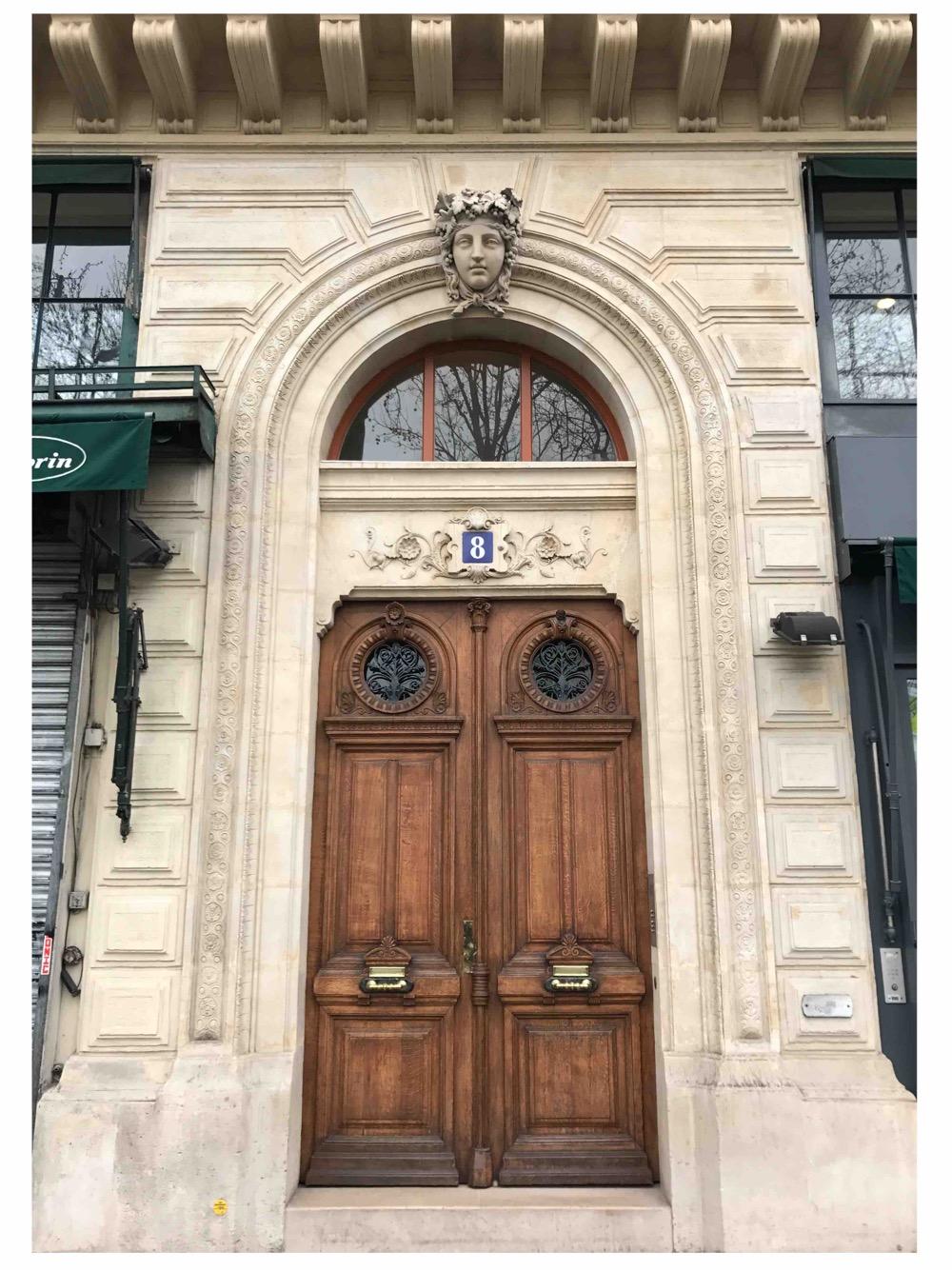 Porte Batarde Vernie Avec Voûte En Plein Cintre - 8 Quai De La Mégisserie - Paris 1er