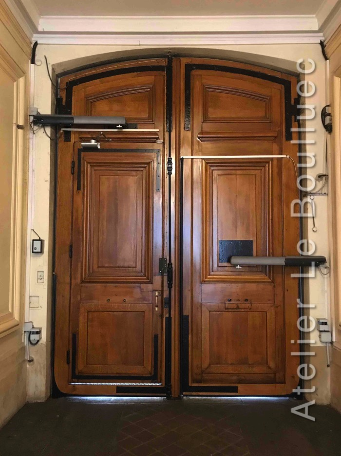 Porte Cochère - 44 RUE DU LOUVRE Coté Hall PARIS 1