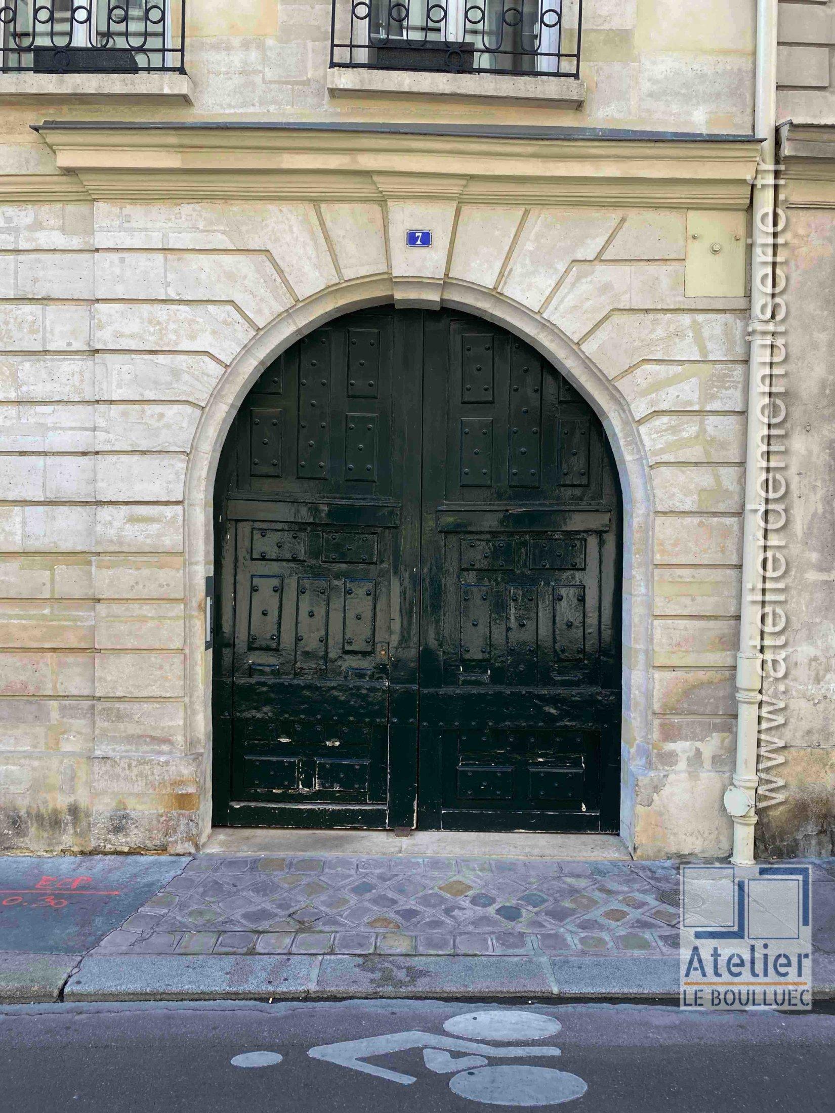 Porte Cochère LOUIS XIII - 7 RUE CHARLES V PARIS 4