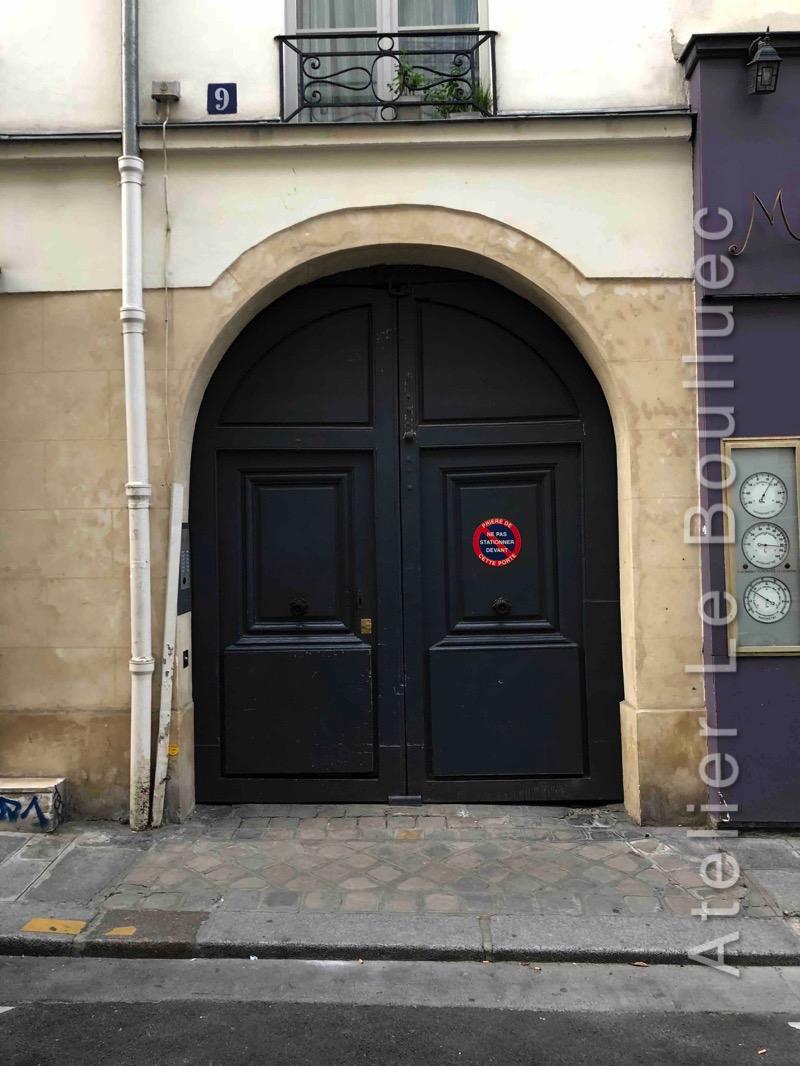 Porte Cochère Louis Xiii - 9 Rue Pastourelle Paris 3 Vue Ext