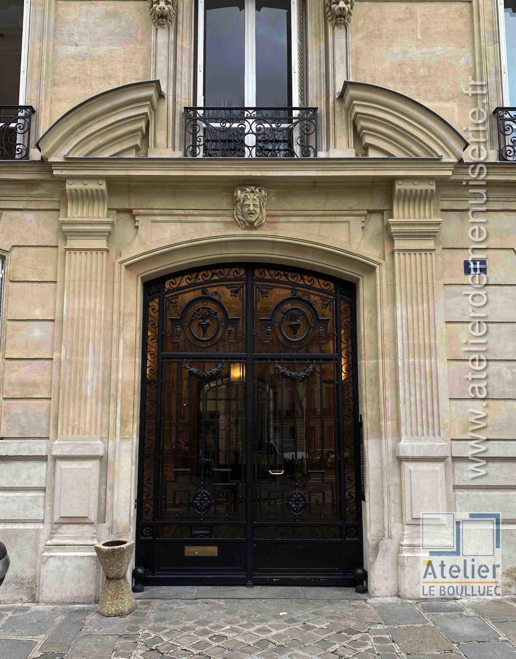 Porte Cochère Acier - 8 RUE DE TEHERAN PARIS 8