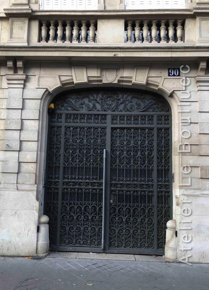 Porte Grille à Volutes - 90 AV KLEBER PARIS 16