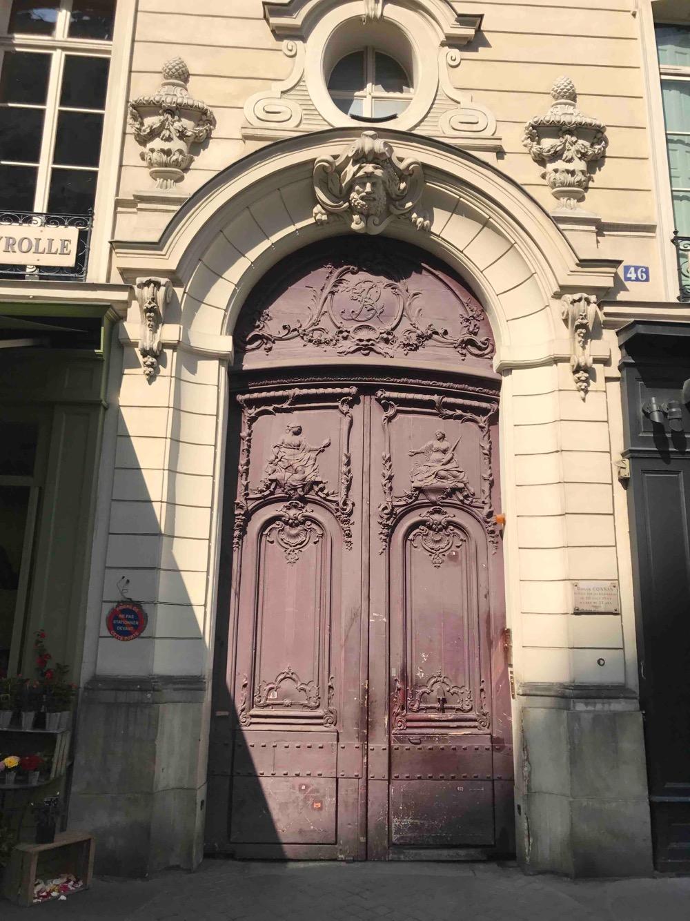 Porte Monumentale - 46 Rue Du Bac 75007 PARIS