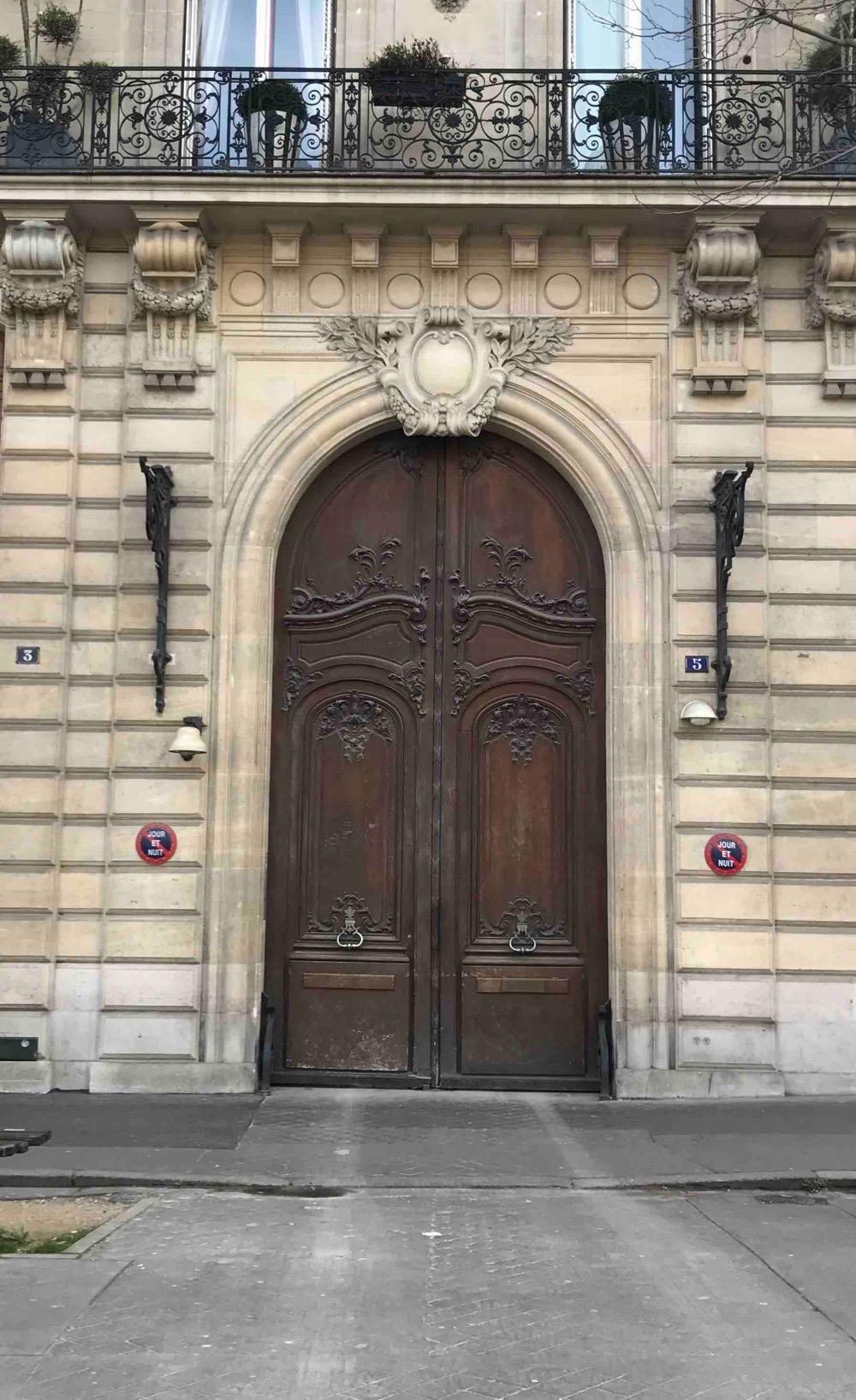 Porte Monumentale - Paris 17