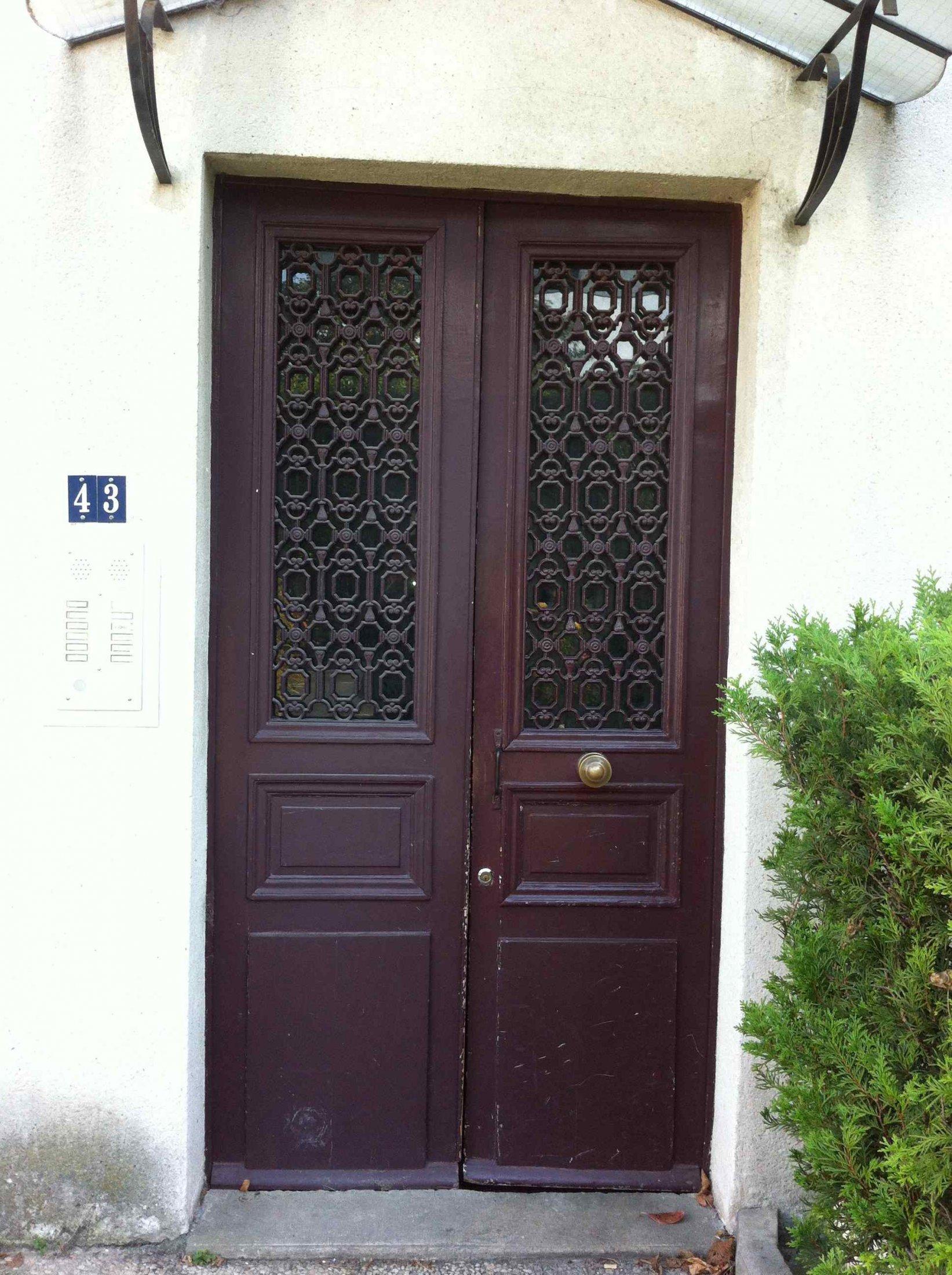 Porte Sur Rue Corbeilller 0 Tiercée Chêne Avec Grilles Avant Remplacement