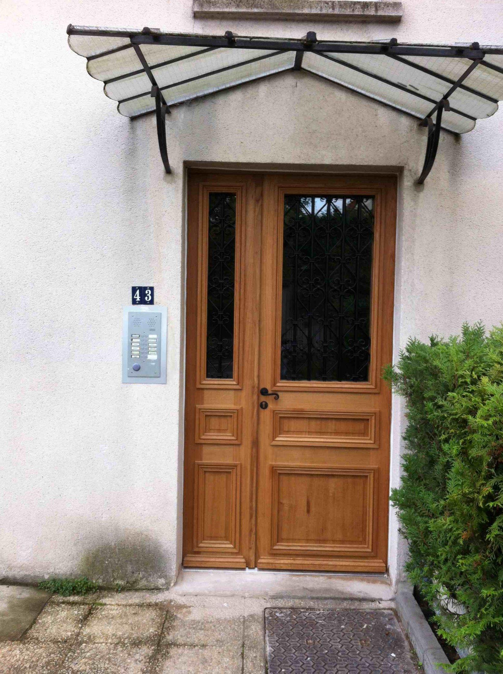 Porte Sur Rue Corbeilller 3 Tiercée Chêne Avec Grilles 1