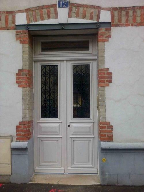 Porte Sur Rue Galilée Posée