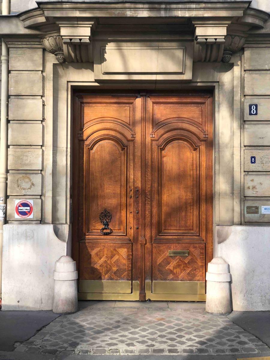 8 RUE DU GENERAL CATROUX PARIS 17