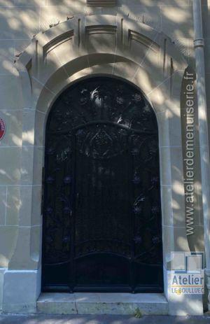 Porte Acier Forgé - 10 Avenue Elysée Reclus - Paris 7