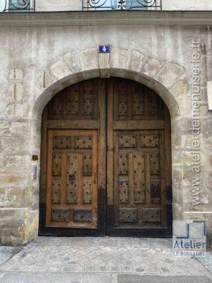 Porte Cochère LOUIS XIII - 4 RUE DES LIONS SAINT PAUL PARIS 4
