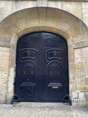 Porte Cochère LOUIS XIII - 8 RUE DE THORIGNY PARIS 3