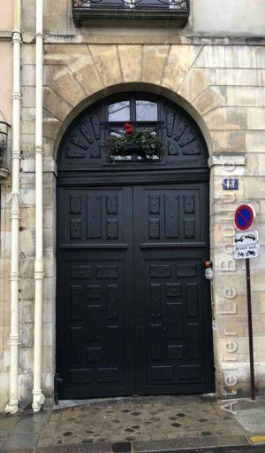 Porte Cochère à Baie D\'entresol Louis Xiii - 13 QUAI D\'ANJOU - PARIS 4