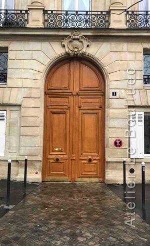 Porte Cochère Monumentale à Voûte En Plein Cintre En Encadrement à Refends - 1 Place Wagram - Paris 17