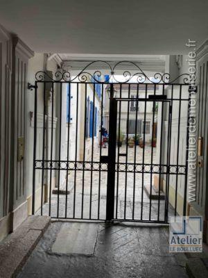 Porte Grille 71 Rue Du Commerce Paris 15